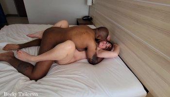 bikini images of anushka sharma