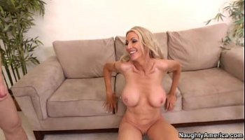 emma starr hot mom friend