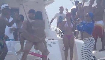 sexo en la playa xxx