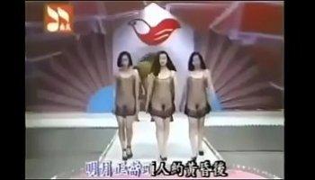 nude fashion show videos
