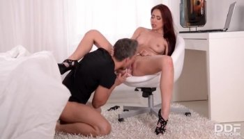 Sexy babe gets mouth filled
